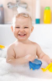 La préparation au sommeil de l'enfant; alimentation et bain.