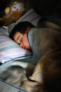 Sommeil des enfants à la calrté ou à la noirceur / pénombre?